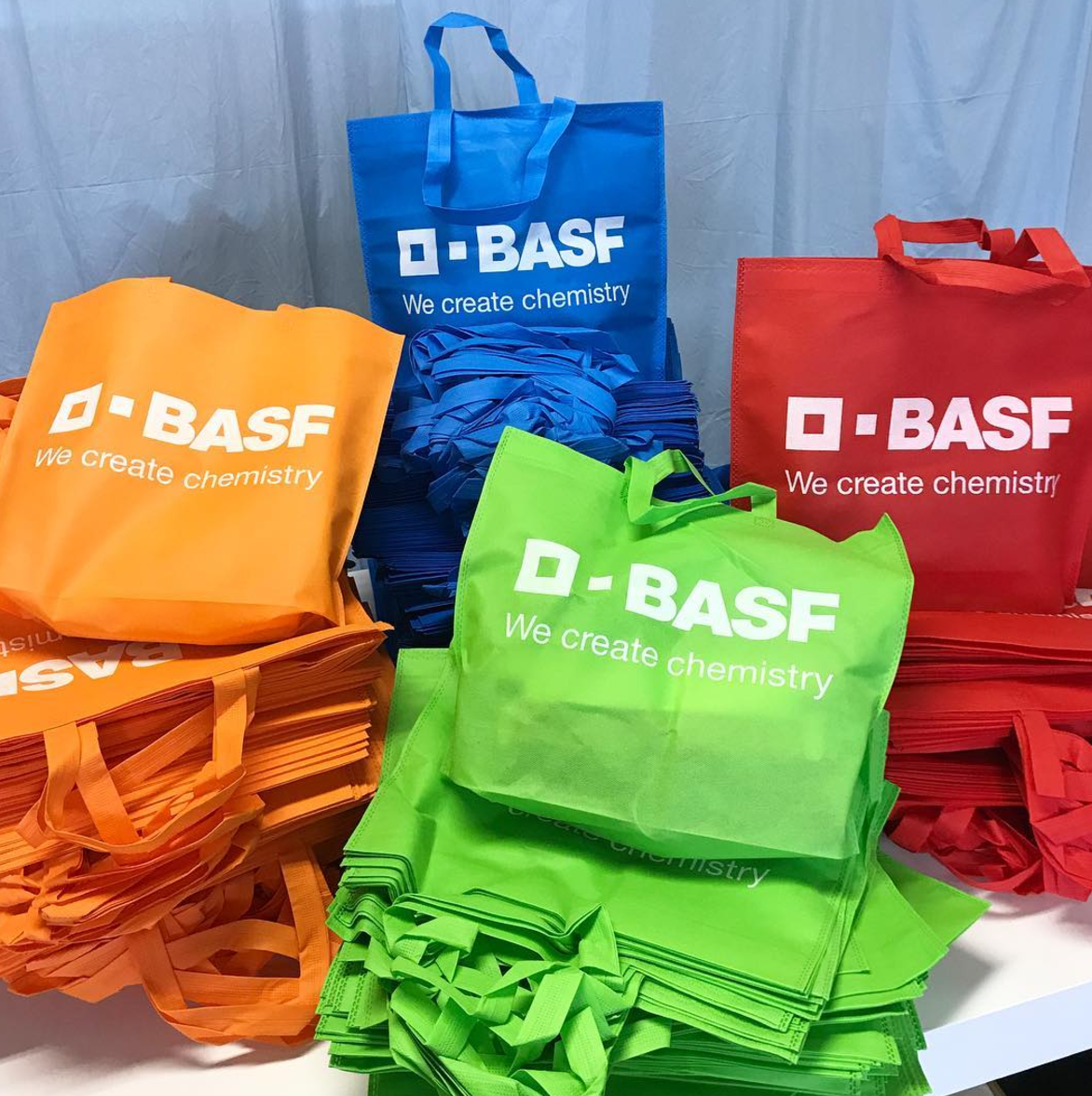 Non woven bag expandable base colours